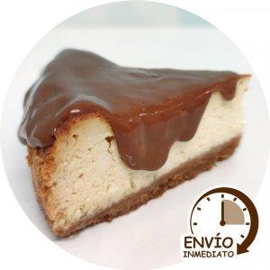 Porcion Cheesecake con Dulce de leche